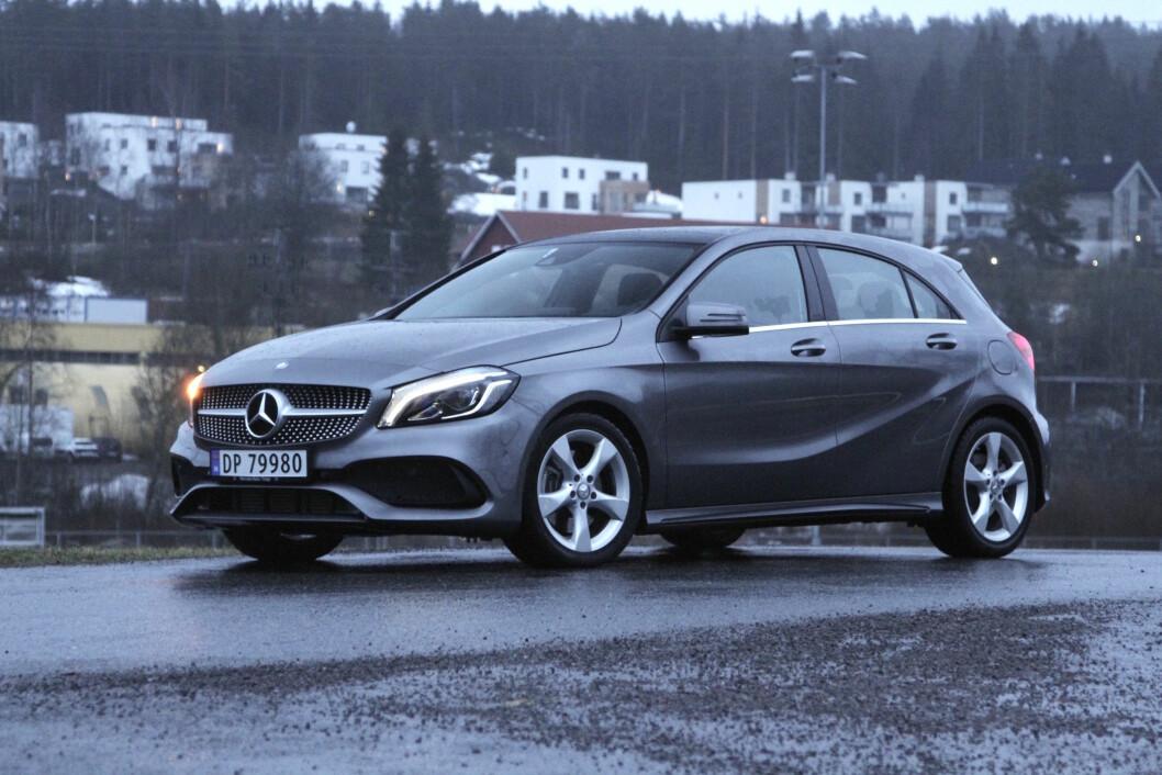 BARSK: Det Mercedes A-klasse ikke har av plass, tar den igjen på stil og kjøreglede. Foto: Rune Korsvoll