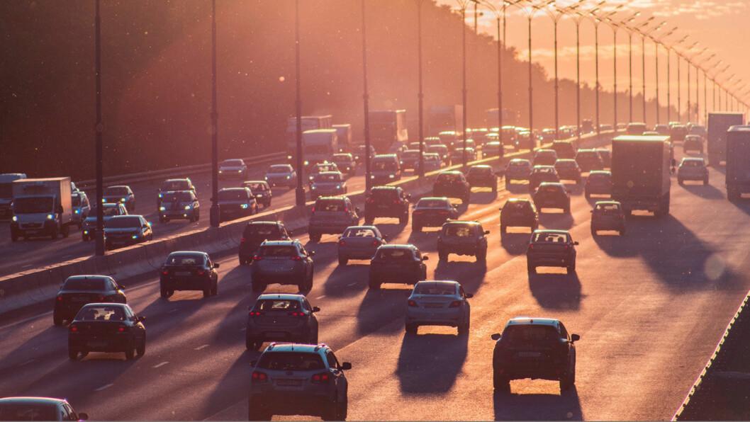 IKKE SOM I NORGE: I dag er det under to prosent elbiler på det amerikanske markedet. Om seks år vil det være rundt åtte prosent. Foto: Alexander Popov, Unsplash