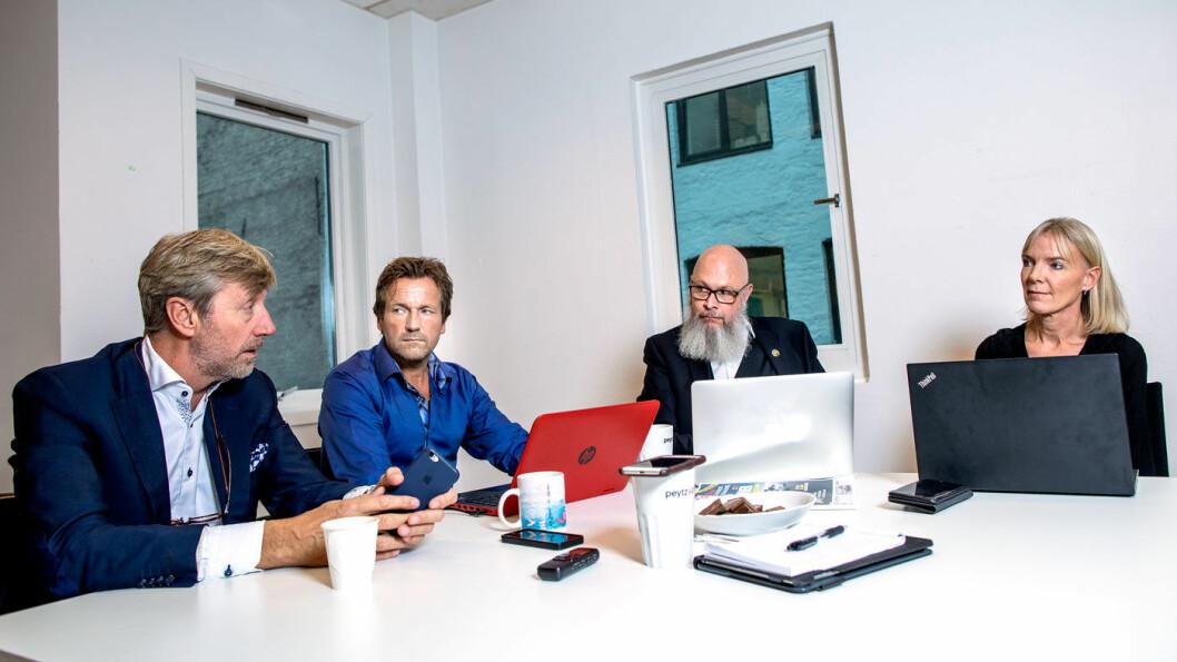 HVA SKAL JEG SOM BILKJØPER GJØRE: Bernt G. Jessen (f.v.), Øivind A. Monn-Iversen, Tommy Wahlström og Ulrica Risberg.