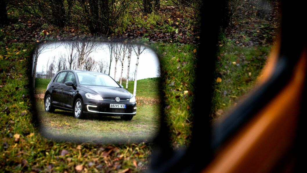 SPEILER VERDEN: Nordmenn ønsker å kjøre utslippsfritt, og e-Golf er blant de mest populære bilene på markedet. I elektrisk versjon er den sprekere enn noen gang. Foto: Tomm W. Christiansen