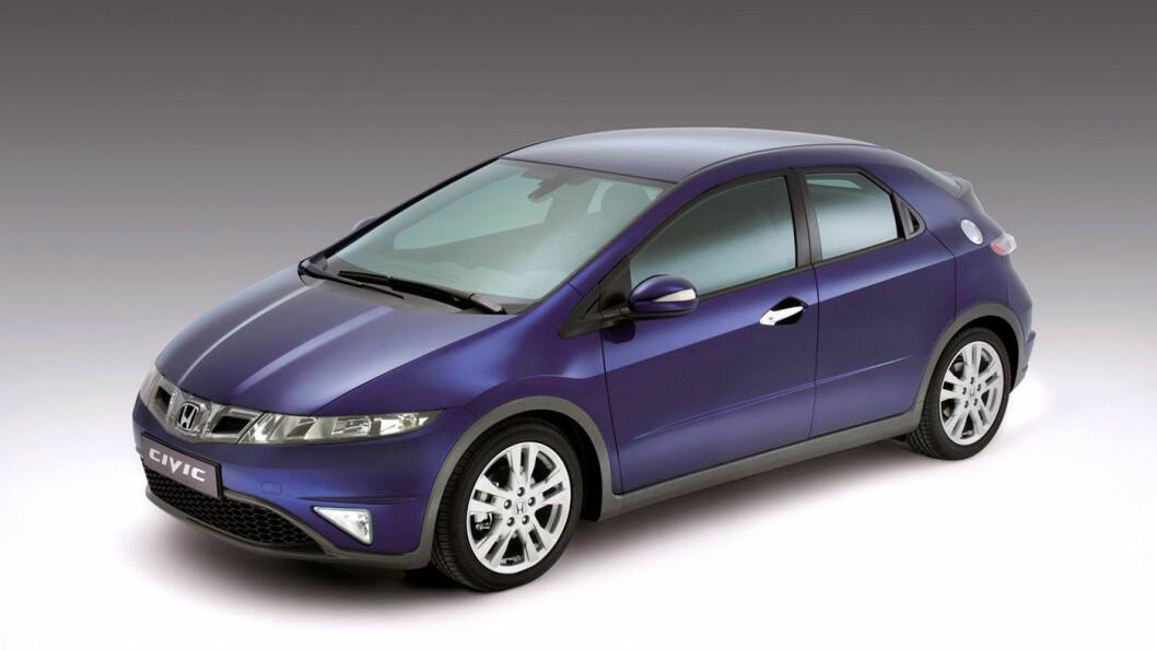HONDA CIVIC: Selv om du kjøper denne bilen brukt er du sikret høy teknisk kvalitet. Minuset er dekkstøy. Foto: Honda