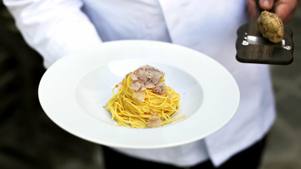 JORDENS DIAMANTER: Hvite trøfler får du til alt fra pasta til sjokolade. Foto: Villa la Madonna