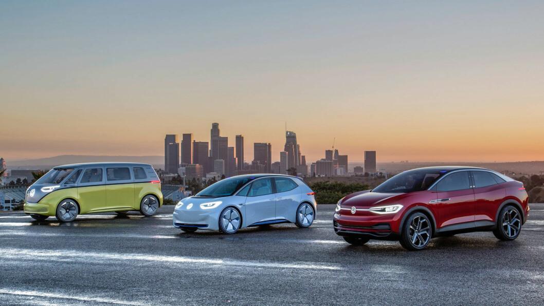 NYE KONSEPTER: Volkswagens modellrekke I.D, er konstruert som elbil helt fra grunnen – og har en helt annen fleksibilitet enn dagens elbiler, som i stor grad er forhjulsdrevne og basert på fossile biler. Her er modellene Buzz (f.v.), Neo og Crozz. Foto: Volkswagen AG