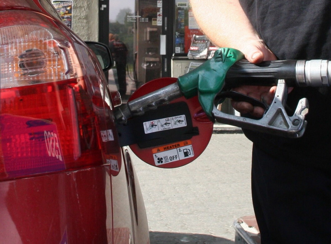 TRIKSER: Bilprodusentene trikser seg til lave forbruks- og utslippstall. Foto: Rune Korsvoll
