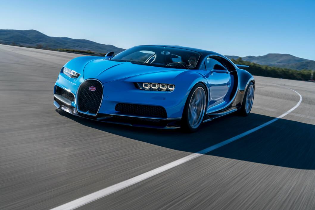 VERDENS RASKESTE: Bugatti Chiropn, som kommer på veien til høsten, har en toppfart på 460 km/t, men er bergrenset til 420 på veien. Foto: Bugatti