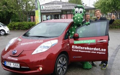 Nå skal svenskene få 60.000 i elbil-rabatt