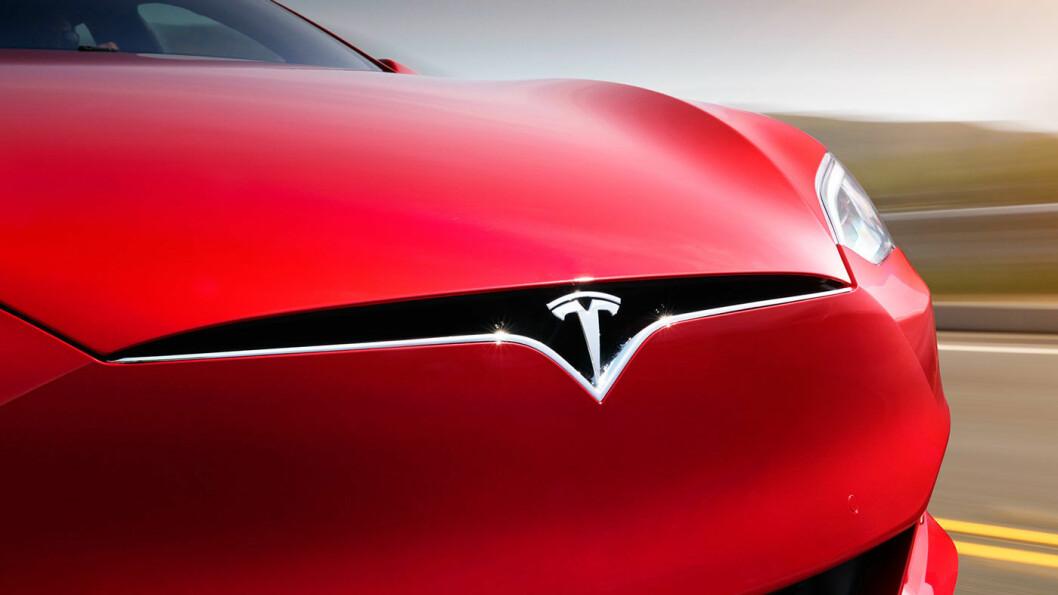PUTEFEIL: Tesla tilbakekaller 14.123 biler i Kina på grunn av kollisjonsputer som potensielt kan være farlige. Foto: Tesla Motors
