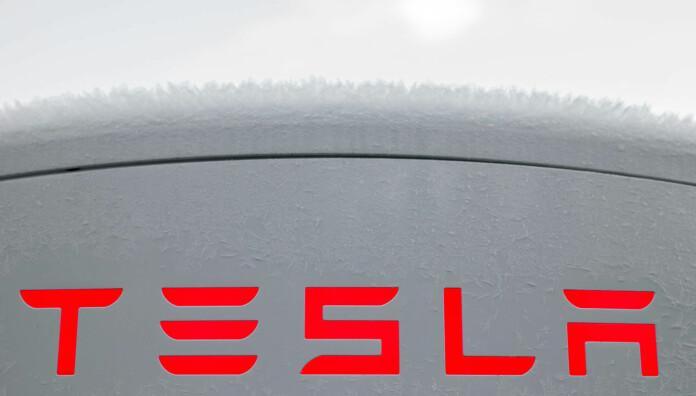 Tesla setter ned ladeprisen igjen