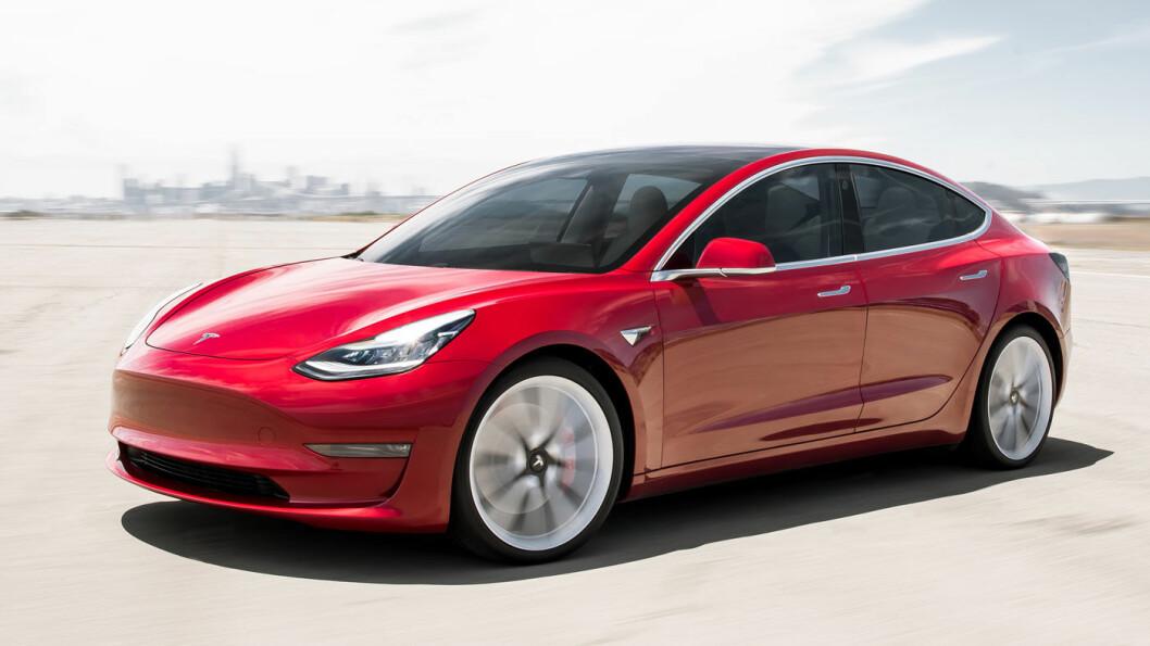 FORVENTNINGER: Tesla Model 3 er rett rundt hjørnet. Et forbedret serviceapparat skal ta imot den og andre Tesla'er i 2019. Foto: Tesla Motors