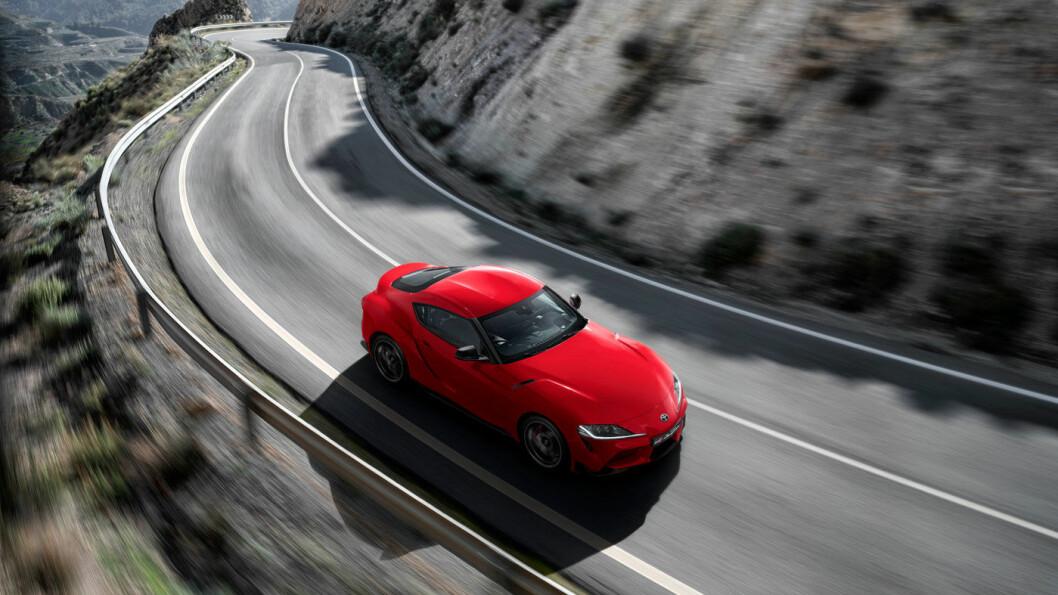 RÅ: Du vil ikke se mange av disse på norske veier, det er neppe heller ønsket til de som betaler drøye 900.000 for Toyotas råeste serieproduserte bil, GR Supra.