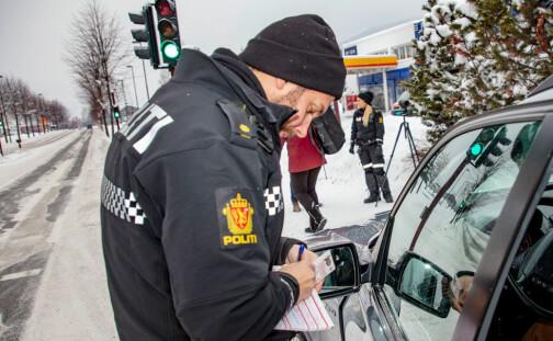 Trenger du å gi fra deg førerkort etter fartskontroll?
