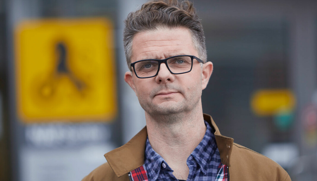 ALVORLIG: Elbilkjøperne skal ikke være forsøkskaniner, sier senior kommunikasjonsrådgiver Nils Sødal i NAF.