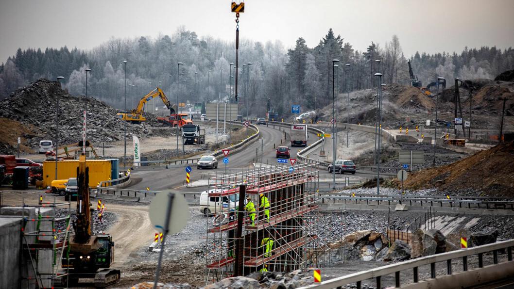 FULL FRES: Byggingen av ny E18 gjennom Telemark –her ved Stathelle –fortsetter etter enighet mellom Nye Veier og Vegdirektoratet. Foto: Tomm W. Christiansen