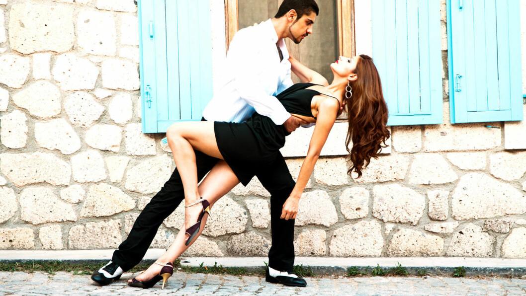 LA BOCA: Dette er en fargerik bydel hvor folk gjerne danser tango i gatene.