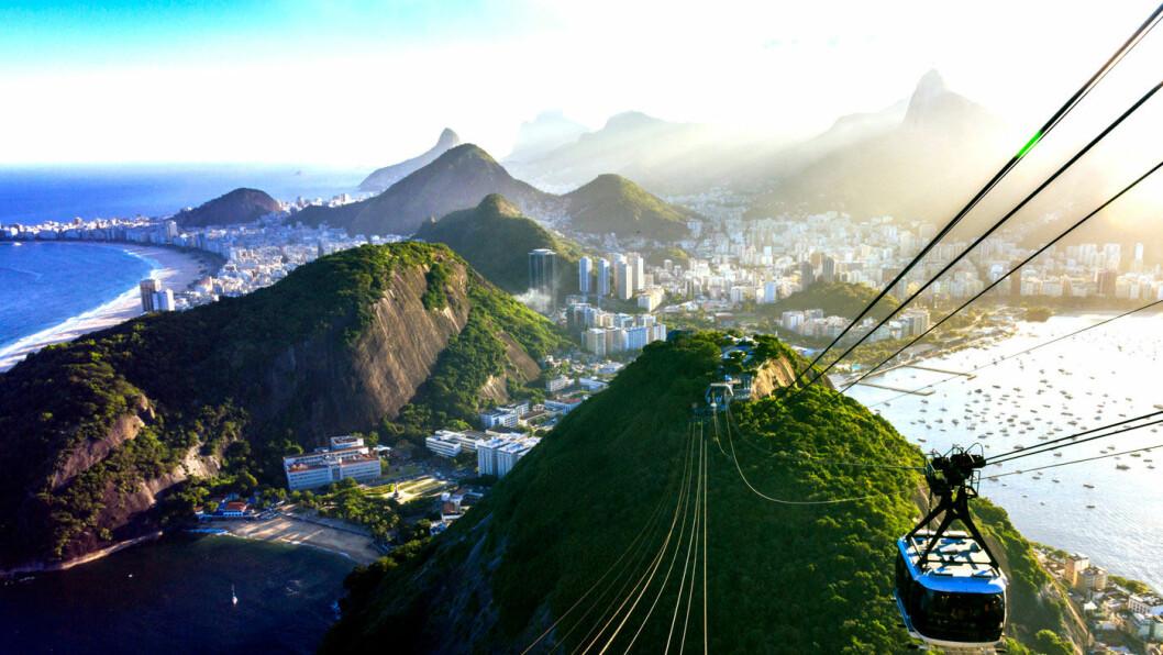 EN IKONISK BY: Rio de Janeiro har mange kjente landemerker, som Sukkertoppen og strendene.