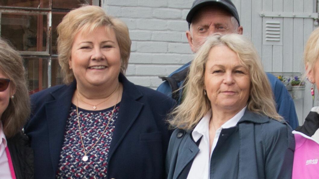 KJØR PÅ: Folkehelseminister Åse Michaelsen (t.h.) har statsminister Erna Solberg i ryggen når hun fjerner den kognitive testen for eldre bilførere og hever aldersgrensen for krav om helseattest fra 75 til 80 år. Foto: Cecilie V. Jensen
