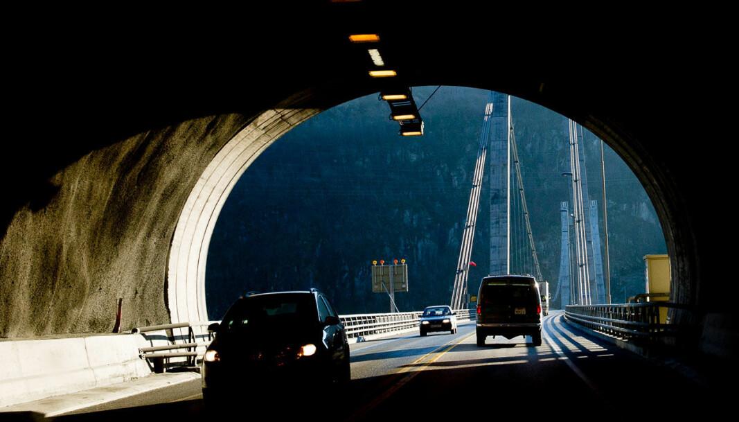<b>HOVEDVEI:</b> Trafikk på E39, en av landets hovedfartsårer.
