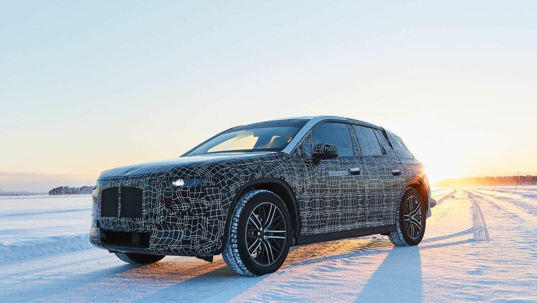 VINTERTEST: Her er BMWs elektriske flaggskip, den store SUV'en iNEXT, ute og tester vinteregenskapene i Arjeplog, Nord i Sverige.