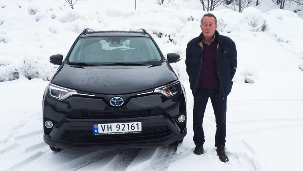ETTER REPARASJONEN: Slik ser bilen til Johannes Høsflot Klæbo ut nå. Ferdig reparert, og med Ole Jørgen Soelberg som ny, fornøyd eier.