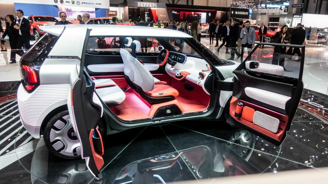 FRAMTIDS-FIAT: Denne lille elbilen på bare 3,68 meter rommer det meste Fiat har av tanker om kommende generasjoners utslippsfrie kjøretøy. Foto: Peter Raaum