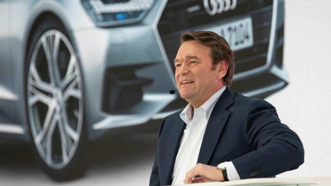OPTIMIST: Audi-sjef Bram Schot har tatt over et foretak med store utfordringer, men også gode produkter. Audi e-tron er blitt meget godt mottatt verden over, og Audi varsler nå en mer intensiv satsing på elbiler for å rette opp et par dårlige år. Foto: Audi AG