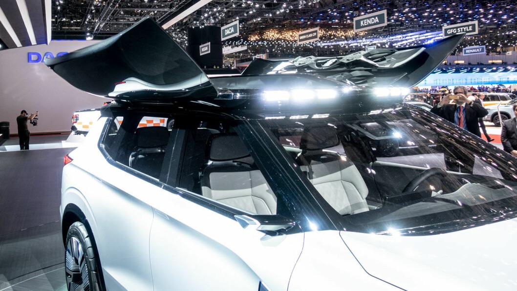 UT PÅ TOURER: Kanskje er Engelberg Tourer modellen som skal overta for Mitsubishi Outlander. Japanerne vurderer en takboks som har tåkelys og fjernkontroll.