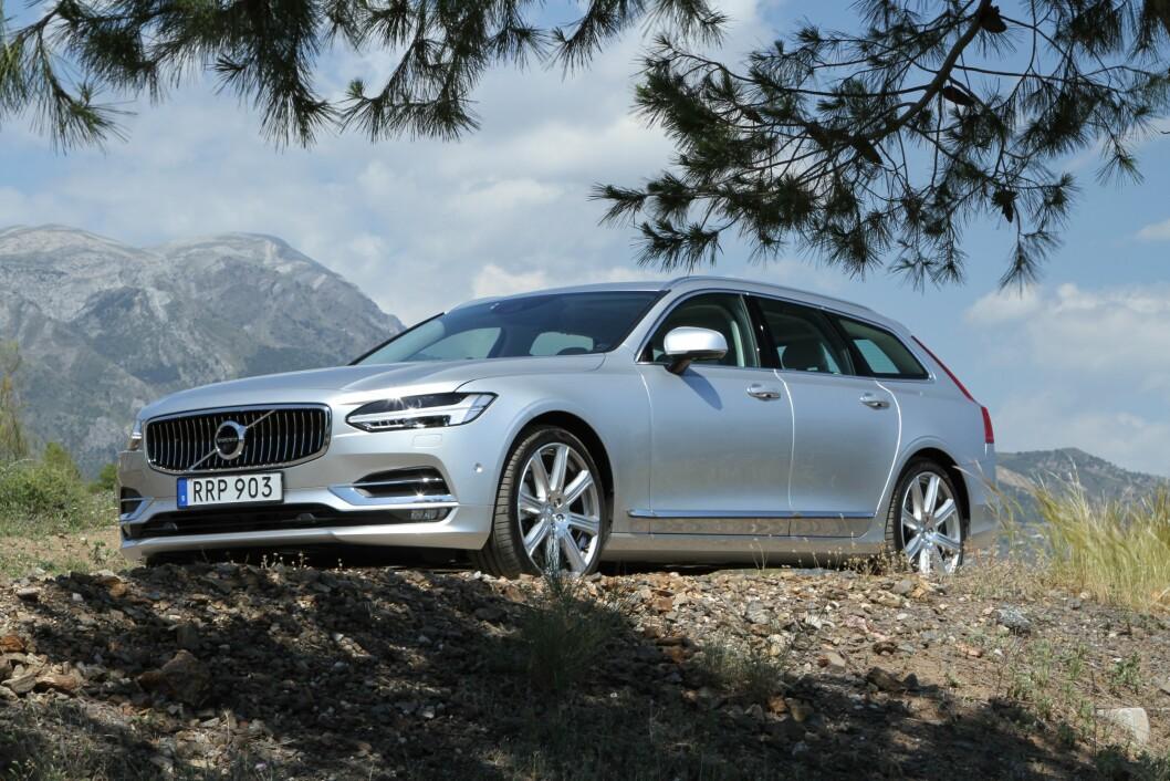 ELEGANT: Volvo V90 er ikke bare elegant. Den er også svært sikker og komfortabel. Foto: Rune Korsvoll