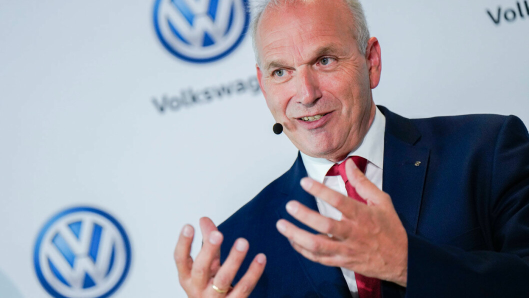 FOSSIL FRAMTID: Volkswagen med dieselmotor selger knapt i Norge, men bedre enn noen gang på verdensbasis. – I Tyskland er dieseldebatten følelsesmessig belastet, ofte ikke faktabasert, sier Jürgen Stackmann, sjef for salg og marketing i VW. Foto: Volkswagen AG