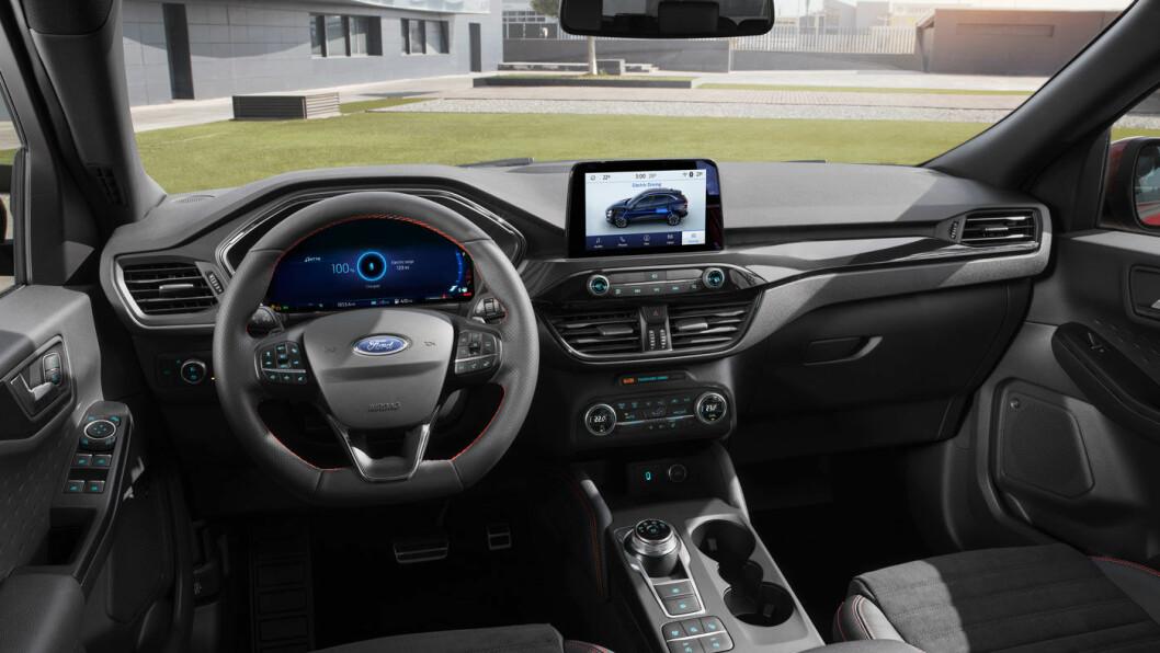 FRESHERE: Tredje generasjon Ford Kuga har fått et stiligere førermiljø.