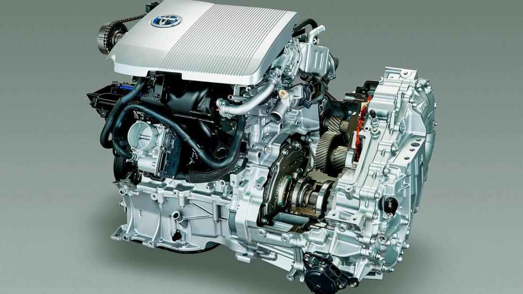 DELER TEKNOLOGIEN: Toyota letter på topplokket, ikke bare på motorene, men på svært mye av det de har patentert rundt elektrifiserte kjøretøy. Foto: Toyota Motor