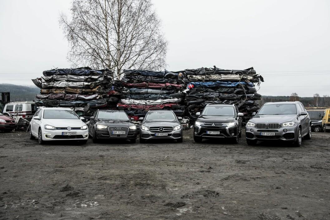 POPULÆRE LADBARE: Hele 89 prosent av alle Mitsubishi Outlander og over 50 prosent av alle VW Passat som ble solgt i mai, var ladbare hybrider. Flere nye modeller bidrar til økt salg. Foto: Jon Terje Hellgren Hansen