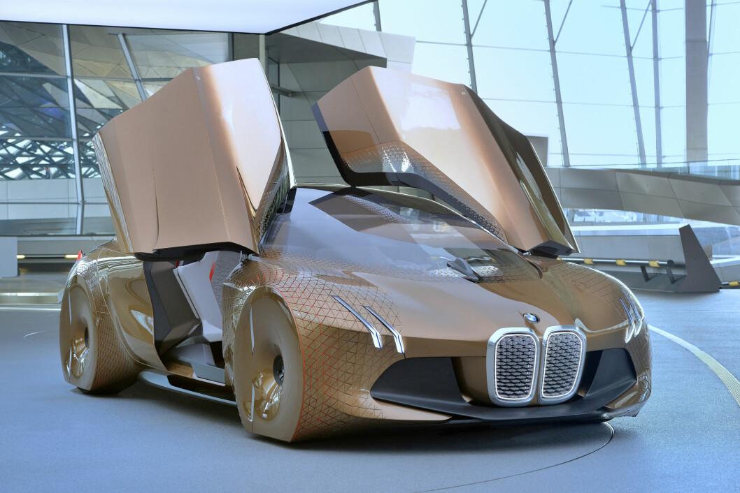 HIGH-TECH: Teknologien og designen i det nye flaggskipet vil være mye av det samme som i Vision Next 100, konseptbilen som BMW viste i mars. Foto: BMW