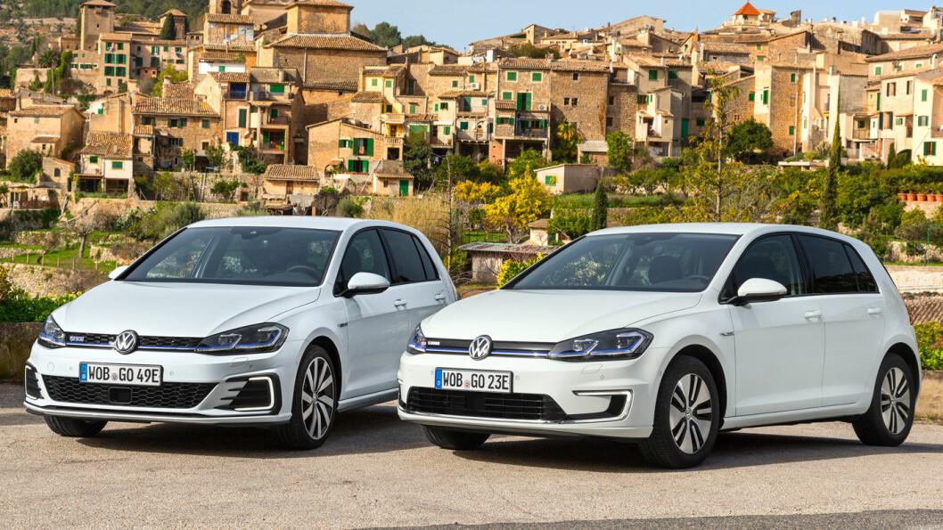 TO ALEN AV SAMME STYKKE: Golf GTE til venstre og e-Golf til høyre. Bare i Norge har bilen til høyre vært den klart rimeligste. Foto: Volkswagen AG