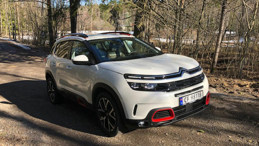 JE SUIS C5: Fargevalgene og dekormulighetene er mange på C5 Aircross. Bilen har et særpreget design, spesielt utvendig – i god Citroën-tradisjon.