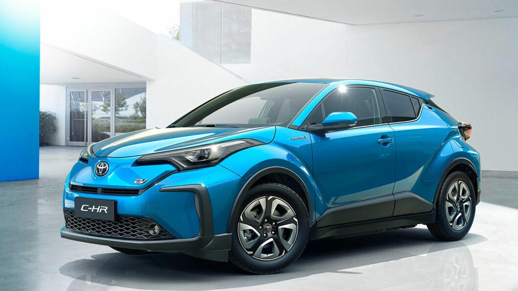 FØRST I KØEN: Mellomklasse-SUV'en C-HR er først ut av bilene Toyota forbereder i batterielektrisk utgave på verdensmarkedet. Foto: Toyota Motor