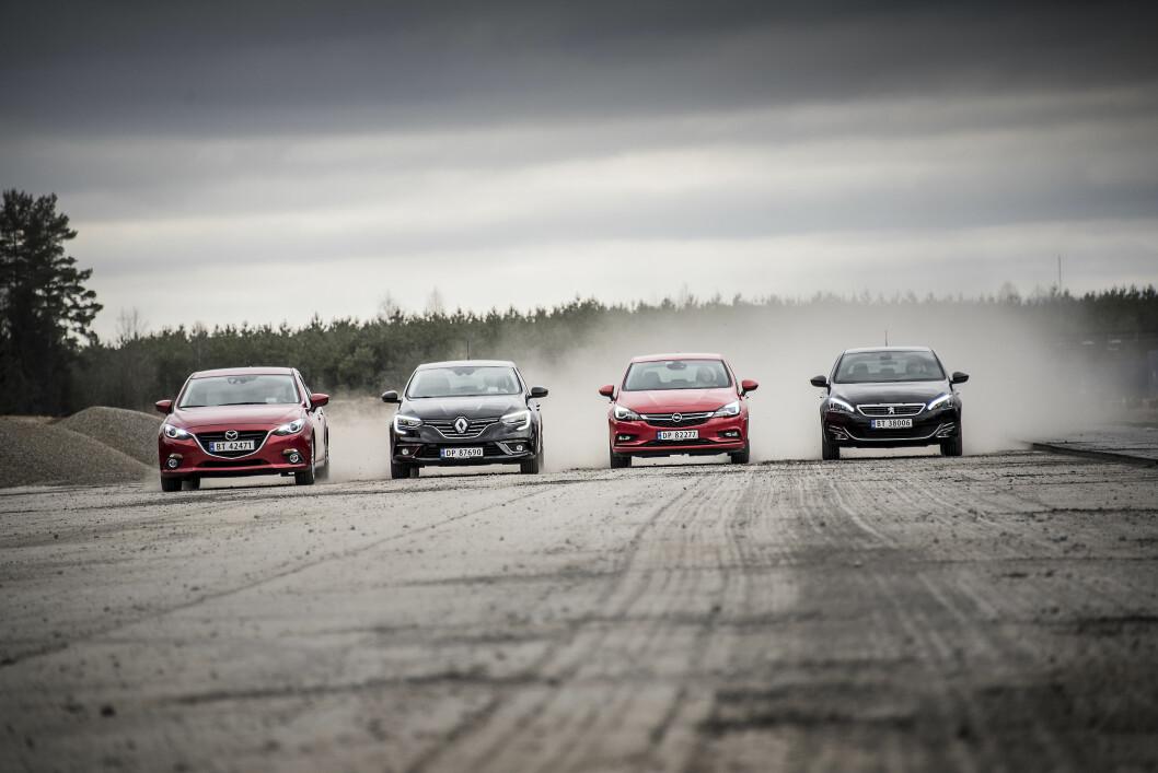 OVERRASKER: Opel Astra, Renault Mégane, Mazda 3 og Peugeot 308 overrasker oss stort og bør absolutt stå på listen over biler du prøvekjører når du skal ha ny bil i kompakt-klassen. Foto: Jon Terje Hellgren Hansen