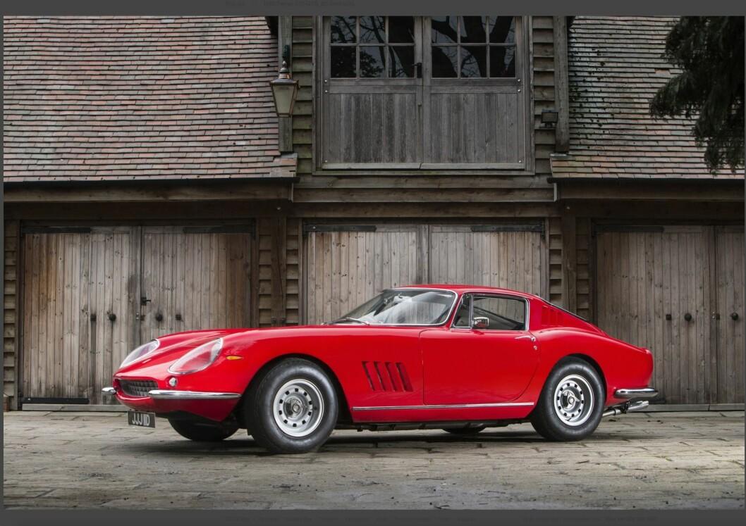 DYRE BRUKTBILER: Har du penger som brenner hull i lommen, kan du for eksempel by på denne 1966-modellen Ferrari 275 GTB. Prisen blir trolig over 20 millioner kroner. Foto: Bonhams