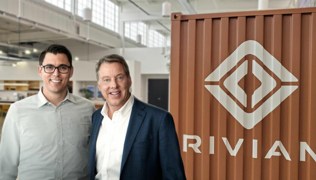 <b>SAMARBEIDER:</b> Rivian-gründer RJ Scaringe (t.v.) og Bill Ford, styreleder i Ford. Tesla anklager nå Rivian for å ha tilegnet seg hemmelig informasjon.