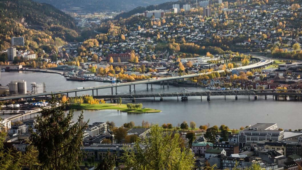 MÅ BETALE SELV Bilistene i Drammensregionen, Norges femte største tettsted, må betale det meste av bypakken for regionen selv. Foto: Peta Chow