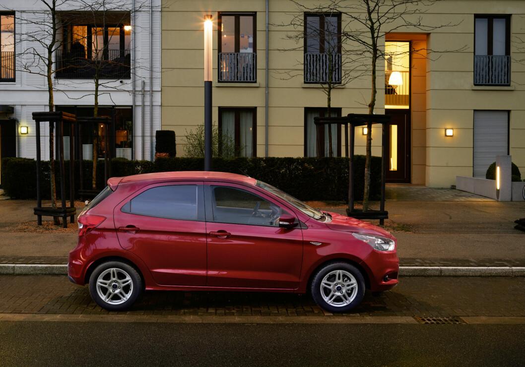 FRA 163.000 KRONER: I Norge koster Ka+ fra 163.000 kroner. I Danmark starter den på 135.000 kroner med samme motor. Foto: Ford