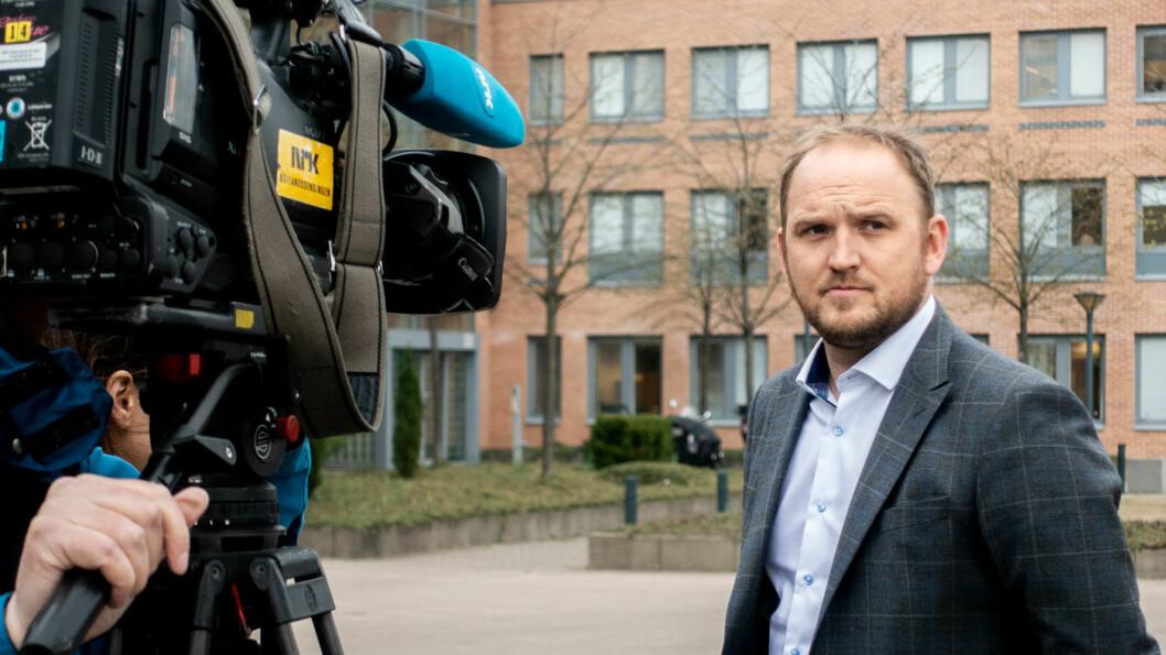 LITEN INTERESSE: Samferdselsminister Jon Georg Dale må konstatere at kampen om å bli utstederselskap for personbiler ikke er særlig hard.