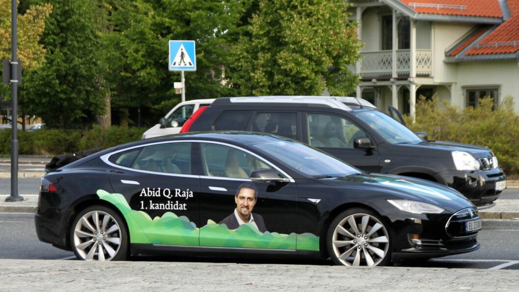 IKKE SOM FOLK FLEST: 92 prosent av den norske befolkningen har ikke elbil, påpeker Venstre-politiker Abid Raja. Han er blant de åtte som har. Foto: Kjetil Jørgensen-Dahl