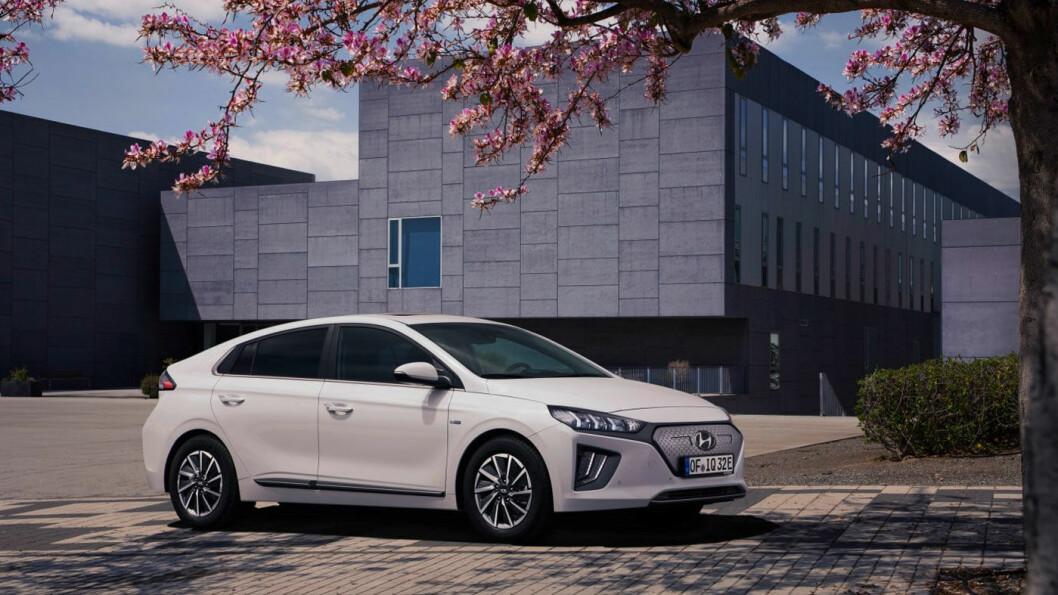 ANSIKTSLØFT: Hyundai Ioniq kommer oppgradert til høsten – med bedre rekkevidde og freshere design.