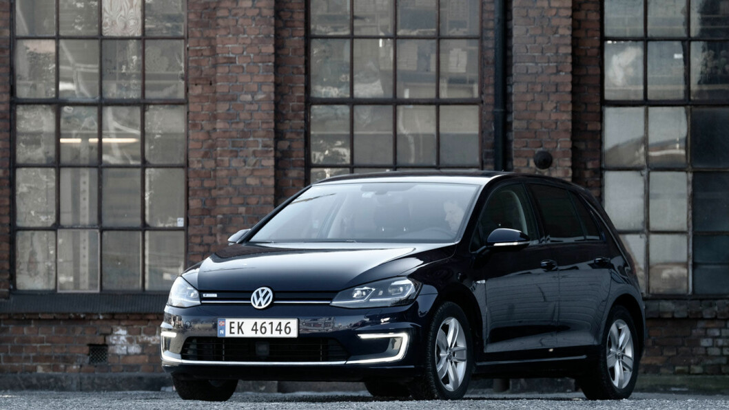 PÅ TOPP IGJEN: VW Golf var tilbake på toppen av salgslistene i april, men bare 83 av disse Golf'ene går på diesel eller bensin – et salg likt med Volvo V40 som var nummer 35 på apriloversikten. Foto: Jon Terje Hellgren Hansen