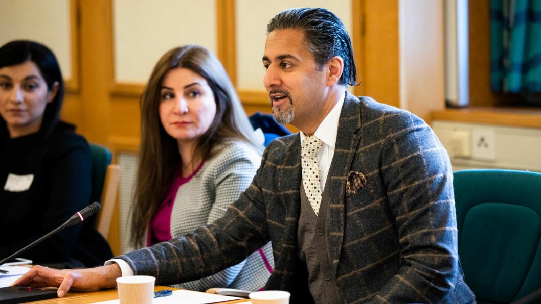 REKORDBLØFF: Venstre-topp Abid Raja mener Frps bompengeutspill er tidenes valgbløff. – Det er helt urealistisk, og det er økonomisk uansvarlig, særlig fra et parti som nå sitter med finansministeren, sier han til NTB. Foto: Stortinget