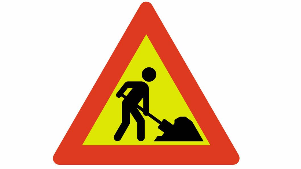MED SPADE: Slik varsles veiarbeid i 2019, med motiv av en person med spade.