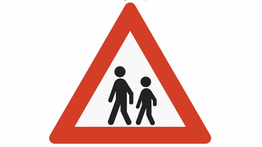 NYE BARN: Slik advares vi mot barn i trafikken i dag, med to robotlignende små personer.