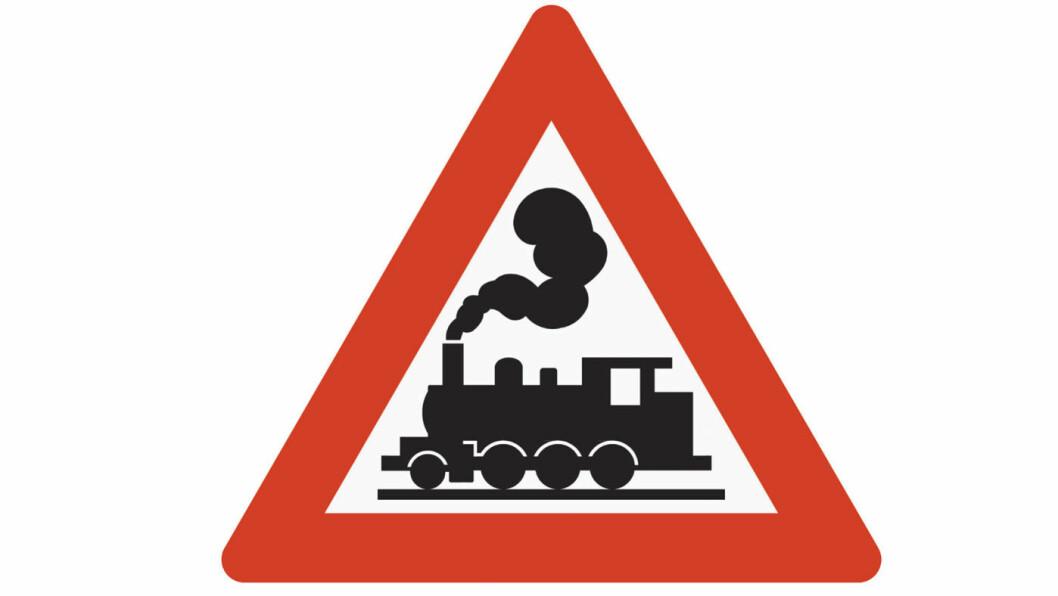 DAMPLOKOMOTIV: Vy har ingenting imot at deres tog illustreres med et saktegående damplokomotiv som varsel om planovergang uten bom.