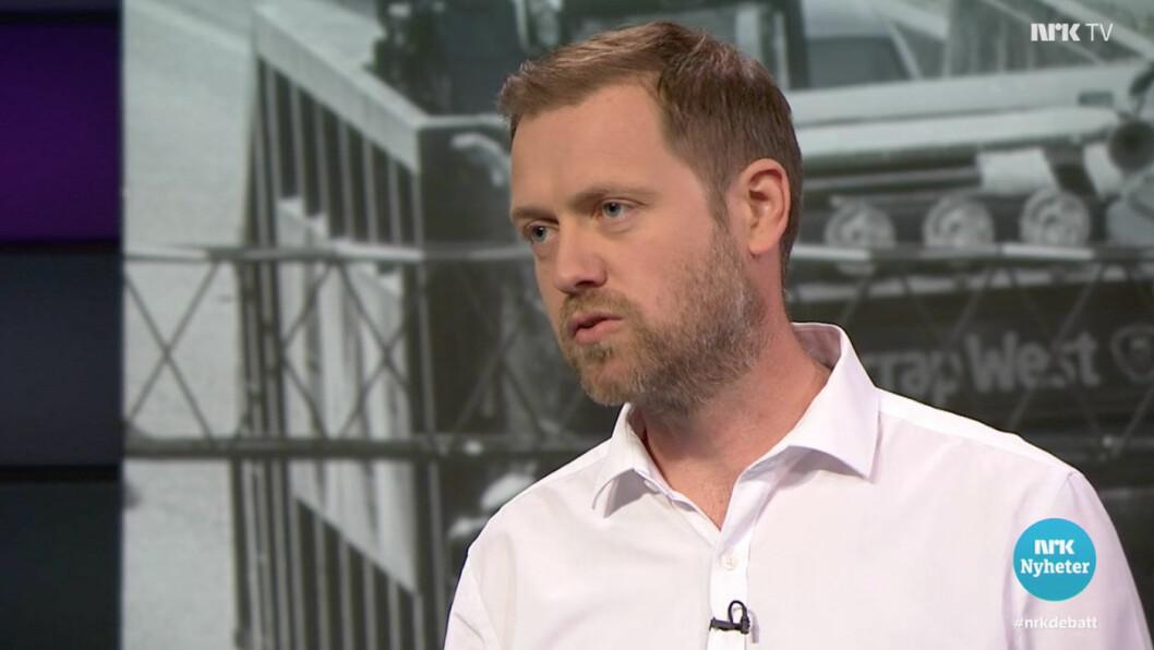 KLAR TIL Å KREVE INN: Andreas Halse, samferdselspolitisk talsmann i Oslo Arbeiderparti, forsvarer bompengene, og viste i TV-debatten til at et flertall av Oslos befolkning støtter bompengeløftet. Foto: Skjermdump fra NRK