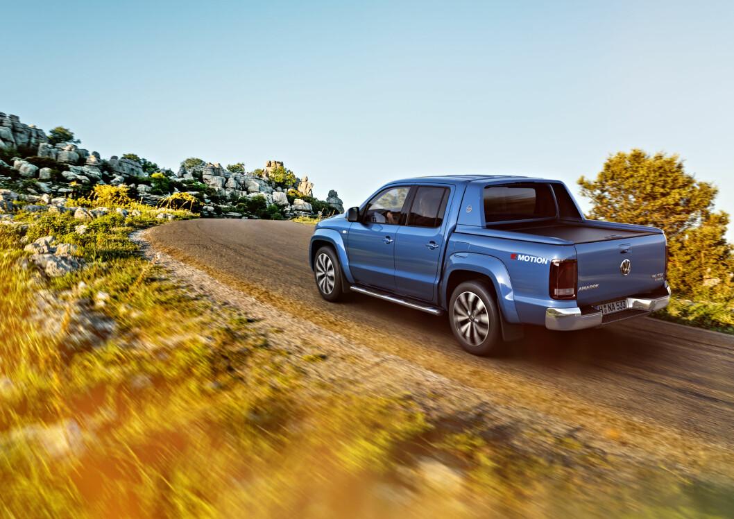 ANSIKTSLØFTNING: Som et svar på at Nissan og Toyota har helt nye pickup-er på veien i år, sørger VW for en ansiktsløftning på Amarok. Foto: VW